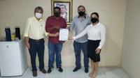 Em São Luís vereador Venâncio do Peixe protocola termos de convênio a ser assinado entre a prefeitura de Bacabal e Iterma